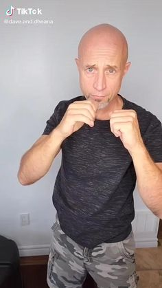 Fight Techniques, Martial Arts Techniques, Self Defense Techniques, Martial Arts Workout, Martial Arts Training, Boxing Training, Self Defense Moves, Self Defense Martial Arts, Kickboxing Workout