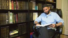Read how Sheikh Omar Suleiman Omar Suleiman helps to de-radicalize youth online.