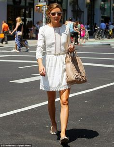 Olivia Palermo #sunglasses #whitelacedress #flatshoes #beigefringebag