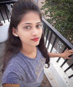 Image may contain: 1 person, closeup Sweet Girl Pic, Cute Girl Poses, Cute Girl Photo, Beautiful Girl Photo, Pakistani Girls Pic, Real Indian Girls, Fb Girls, Allu Arjun Hairstyle, Desi Girl Selfie