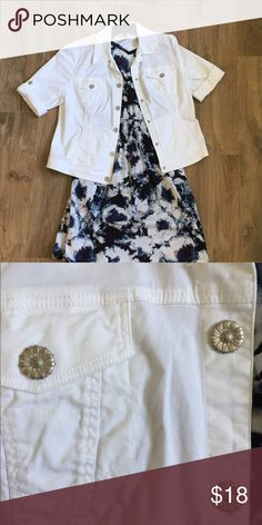 Short Sleeve White Jacket Lightweight white Jacket is perfect for spring!! Adorable sunflower 🌻 button details. Perfect condition! No stains, snags, or holes. 🚭Non smoking home Dress Barn Jackets & Coats Utility Jackets
