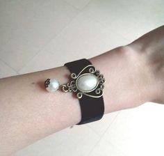 New Fashion Gothic Style Peal Detail Black Velvet Party Wrist Strap Bracelet