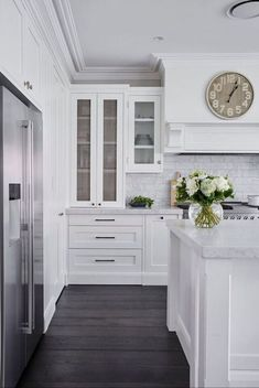 21 The Importance Of Hamptons Kitchen 41 Die Hamptons, Hamptons Style Homes, Home Renovation, Home Remodeling, Bedroom Remodeling, Basement Renovations, Hacks, Banquettes, Home Additions