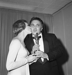 Julie Andrews kissing Fellini, 1964