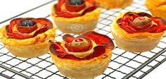 Finger Food Appetizers, Finger Foods, Appetizer Recipes, Pizza Roses, Pizza Recipes, Creative Food, Ketchup, Pepperoni, Street Food