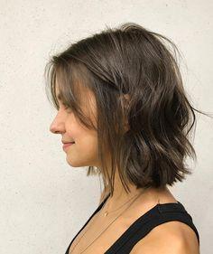 Best Short Wavy Bob Haircuts for 2020 - Long Bob Hairstyles 2019 Wavy Bob Haircuts, Bob Hairstyles For Fine Hair, Haircut Short, Hairstyle Short, Hair Updo, Hairstyles Haircuts, School Hairstyles, Hairstyle For Medium Length Hair, Bob Hairstyles Brunette