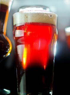 Seared Beef Tenderloin Steaks with Porter Beer Reduction and Blue Cheese Porter Beer, Beer Glassware, Tenderloin Steak, Pint Of Beer, American Beer, Beer Bar, Beer Label, Brewing Company, Beer Lovers