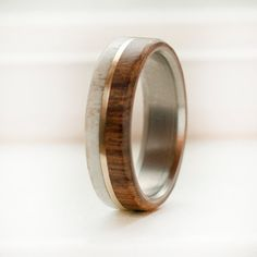 Wood and Antler mens wedding band with gold por StagHeadDesigns