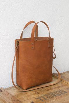 Unisex bag. Camel Leather Tote. Cap Sa Sal Tote.
