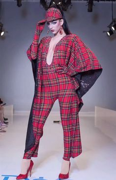 RuView Violet Chachki - Fall Look Violet Chachki, Drag Queens, Spring Looks, Fall Looks, Trajes Drag Queen, Ugly Dresses, Queen Outfit, Rupaul Drag, Fancy Hairstyles