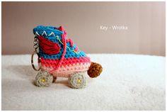 Amigurumi roller skate #amigurumi #amigurumis #soy #luna #wrotka #brelok #crochet #sport #gift #szydełkowa #roller
