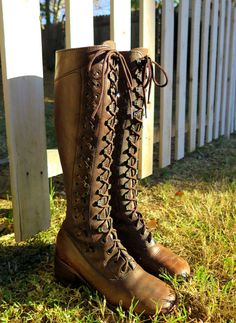 36b97e059074 Vintage Brown Lace Up Bohemian Hippie Campus Boots Size For Lillith