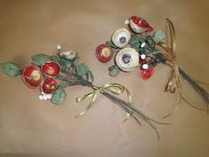 This is the official website of Koralia Kolaiti and her ceramic art workshop. Christmas Wreaths, Christmas Bulbs, Fruit Flowers, Ceramics Projects, Air Dry Clay, Crochet Flowers, Ceramic Art, Decoupage, Holiday Decor
