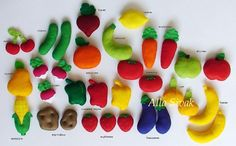 Fruit and vegetables for the game. Great for playing cooking with your friends, dolls and stuffed animals! Toys are made of felt.   Felt food is