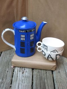 Tea Pot And Cup Set | via TARDIS Teapot and Set of Two Graffiti/Sign Cups by callingjennie)