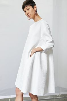 definitely see this as an engagement party or rehearsal dinner dress Boat Neck Dress, Tent Dress, Fashion 2020, Love Fashion, Style Fashion, Simple Dresses, Casual Dresses, Hijab Fashion, Fashion Dresses