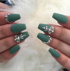 Except gel nails can extend and with acrylic. The difference is that the gel is dried under a UV lamp and acrylic on air. Gelling nails is great for quitting biting your nails from which suffer many people. After a while the nails are fully recovered from biting. #nailart #followback #nails