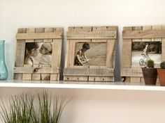 Picture frames from pallets Pallet Frames, Pallet Art, Woodworking Saws, Old Fences, Wood Creations, Wood Picture Frames, Wooden Crafts, Wood Pallets, Decoration