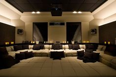 Home Theater Setup with Home Theater Seating Salas Home Theater, Home Theater Setup, Best Home Theater, At Home Movie Theater, Home Theater Seating, Home Theater Design, Home Interior Design, Home Cinema Room, Home Theater Rooms