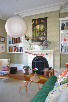 Sophie & Nick's Colorful Victorian Townhouse Victorian Terrace Interior, Victorian Townhouse, Edwardian House, Victorian Homes, Chimney Decor, Townhouse Apartments, Living Room Decor, Living Spaces, Living Rooms