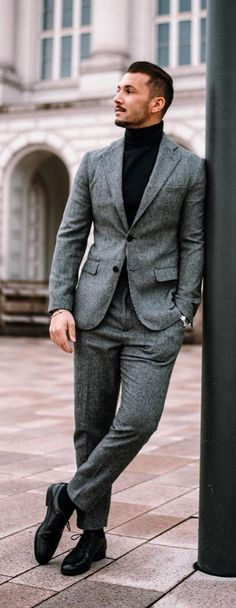 15 Suit Styles To Update Look From Ordinary To Extraordinary Preppy Mens Fashion, Mens Fashion Suits, Mens Suits, Men's Fashion, Suit Men, Turtleneck Suit, Under Armour, Dressing, Vogue