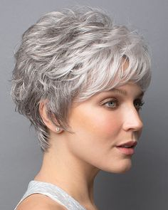 Do you like your wavy hair and do not change it for anything? But it's not always easy to put your curls in value … Need some hairstyle ideas to magnify your wavy hair? Short Hair With Layers, Short Hair Cuts For Women, Short Hairstyles For Women, Wig Hairstyles, Teenage Hairstyles, Hairstyle Short, Hairstyles 2016, Famous Hairstyles, Hairstyles Pictures