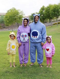 Halloween: No-Sew Care Bear Costumes It's that time of year again, time to start thinking of Halloween costumes! When a neighbor calls you up and asks for your help to make Care Bear costumes for her family, you rush over there! No qu. Care Bears Halloween Costume, Care Bear Costumes, Bear Halloween, Halloween School Treats, Family Halloween Costumes, Homemade Halloween, Vintage Halloween, Holiday Costumes, Baby Costumes