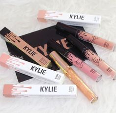 Love these Kylie Jenner lipsticks they look soo beautiful and amazing my favourite love it amazing soo beautiful love the shades my favourite shades ever love it. Kylie Gloss, Kiss Makeup, Love Makeup, Makeup Inspo, Glam Makeup, Too Faced, All Things Beauty, Beauty Make Up, Revlon
