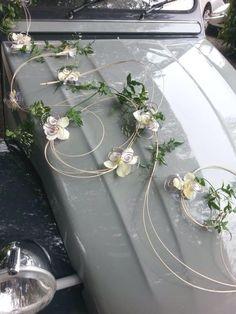Modern Floral Arrangements, Floral Centerpieces, Flower Arrangements, Wedding Events, Our Wedding, Dream Wedding, Wedding Cars, Wedding Car Decorations, Handmade Decorations