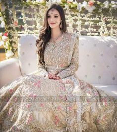 Pakistani Bridal Hairstyles, Pakistani Bridal Makeup, Pakistani Wedding Dresses, Pakistani Outfits, Bridal Outfits, Bridal Dresses, Bridal Lehngas, The Dress, Beautiful Bride