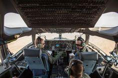 Cockpit of a RAAF C-17 Globemaster in 2014 - Boeing C-17 Globemaster III