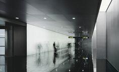 Barcelona, Spain  Edificio Intermodal del Aereopuerto de El Prat  OAB – FERRATER & ASOCIADOS, RAMÓN SANABRIA, RAMÓN ARTIGUES