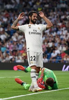 Isco of Real Madrid reacts during the Group G match of the UEFA Champions League between Real Madrid and AS Roma at Bernabeu on September 2018 in Madrid, Spain. Real Madrid, Isco Alarcon, Soccer Players, Football, Surgery, Spanish, 28 Years Old, Soccer, Sports
