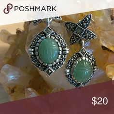 Earings High quality sterling silver with a Jade stone. Stud post with sparking cuts of cubic zirconia. Jewelry Earrings