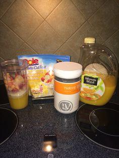 Orange, peach, strawberry, bananas, and Thrive premium lifestyle mix. #healthystart #newin2015 #fruitsmoothie #nutrition