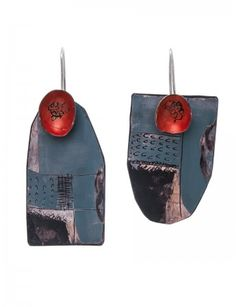 Large handmade earrings by Jane Reilly, featuring red cups attached to dark teal-blue shapes. Every surface is adorned with freeform drawings and etchings. Ceramic Jewelry, Enamel Jewelry, Clay Jewelry, Pearl Jewelry, Jewelry Shop, Jewelry Art, Jewelry Gifts, Jewelry Design, Jewelry Making