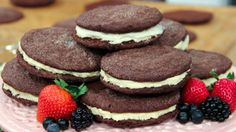 This cookie is far and away Rosie Daykin's bestseller at her Vancouver bakery, Butter Baked Goods. No Bake Treats, Yummy Treats, Sweet Treats, Homemade Chocolate, Chocolate Recipes, Butter Bakery, Cookie Recipes, Chef Recipes, Cookbook Recipes