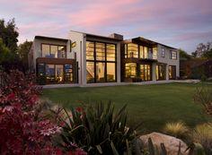 Single Family Residence designed by Abramson Teiger Architects. www.abramsonteiger.com