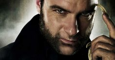 Screenwriter Scott Frank reveals that there was initially a very specific scene in Logan that would have featured Liev Schreiber as Sabretooth.