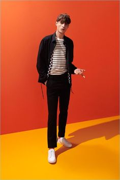 Adrien Sahores Kicks Off Spring with Reserved Adrien Sahores stars in Reserved's spring-summer 2018 Mens Fashion 2018, Stylish Mens Fashion, Latest Mens Fashion, Mod Fashion, Fashion Trends, Fashion Edgy, Fashion Ideas, Stylish Menswear, Fashion Shirts