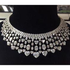 Tiaras and Crowns Jewelry Sets, Jewelry Accessories, Fine Jewelry, Jewellery Sale, Diamond Necklace Set, Diamond Jewelry, Diamond Bracelets, Luxury Jewelry, Modern Jewelry