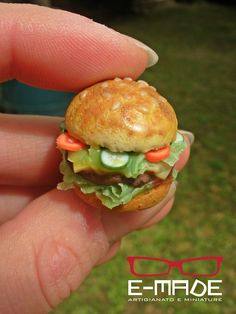 Miniature Hamburger Handmade by me E-made Ester Rizzoli https://www.facebook.com/photo.php?fbid=643228172423208&set=a.631305846948774.1073741834.625282797551079&type=3&theater