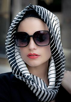 :::: ✿⊱╮☼ ☾ PINTEREST.COM christiancross ☀❤•♥•*[†] ::::	Head scarf #terracottanewyork #stripescarf