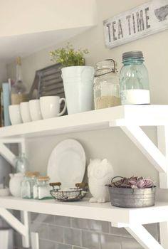 Open shelving in kitchens. Shelf styling ideas.