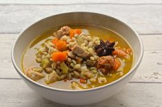 Warming Chicken, Vegetable, Barley Soup from the Medicinal chef Dale Says. I like writing recipes that serve 1 – it makes it so quick and easy to upscale for any size family or dinner party. Dale Pinnock, Vegetable Barley Soup, Real Food Recipes, Healthy Recipes, Clean Eating, Healthy Eating, Healthy Food To Lose Weight, Roasted Salmon, Chicken And Vegetables