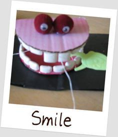Floss Those Teeth- Kid's Oral Hygiene Craft, from your pediatric dentist locator, Dentists 4 Kids. www.dentists4kids.com #Dentists4Kids #pediatric-dentist