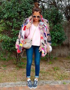 http://paula-echevarria.blogs.elle.es/2017/03/30/think-pink/