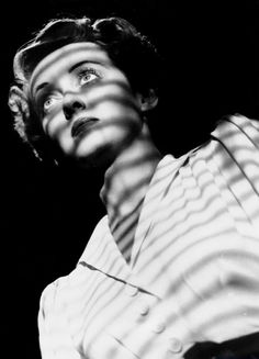 Bette Davis in publicity still for The Letter dir. William Wyler) My favorite actress Hooray For Hollywood, Golden Age Of Hollywood, Classic Hollywood, Old Hollywood, Hollywood Divas, Hollywood Icons, Hollywood Glamour, Hollywood Stars, Adrienne Ames