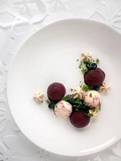 solbærsorbet-myntegranita_2 Food Presentation, Panna Cotta, Salt, Sweets, Fresh, Ethnic Recipes, Dulce De Leche, Gummi Candy, Candy