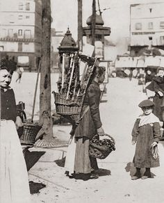 Bloemenverkoopster, Parijs ca. 1900